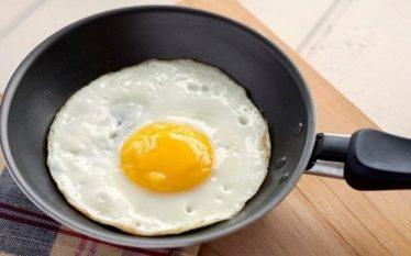 Dëshironi një tru të shëndetshëm? Hani vezë në mëngjes