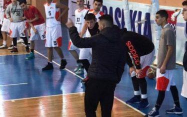 Sherr masiv në një ndeshje basketbolli në Tiranë, ndërhyn policia