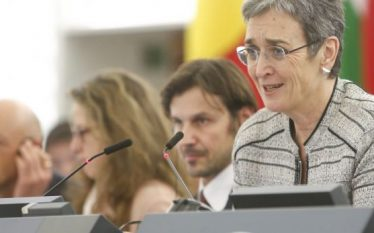 Lunacek mirëpret lirimin e Haradinajt, i kërkon BE-së të mos…
