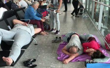 """Vazhdon kaosi në Aeroportin e Londrës """"Heathrow"""""""