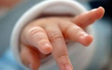 Kush është 22-vjeçarja që helmoi dhe la të vdekur foshnjen…