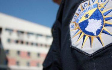 Sulmohet Policia në veri të Mitrovicës, vetura zyrtare goditet disa…
