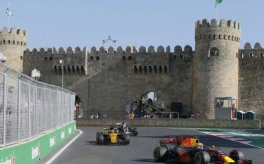 """F1, Ricciardo fiton """"llotarinë"""" e Azerbajxhanit"""