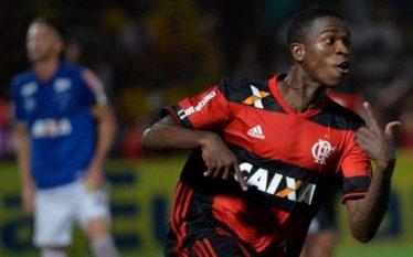 16 vjeçari që bleu Reali për 45 milionë euro dhuron…