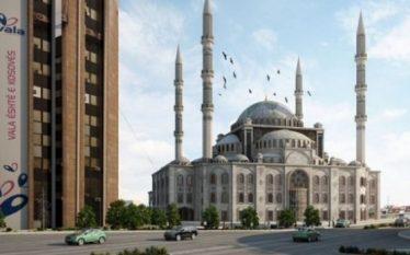 Shpend Ahmeti s'lejon ndërtimin e xhamisë prej katër vitesh –…