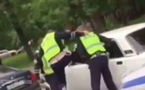 Nga ky polic s'mund të shpëtosh: Arrestimi brutal do t'ju…