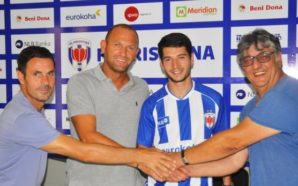 Zyrtare: Prishtina nënshkruan me ish-kapitenin e Kombëtares së Kosovës (Foto)