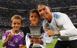 Ronaldo e festoi Superkupën me djalin e tij (Foto)