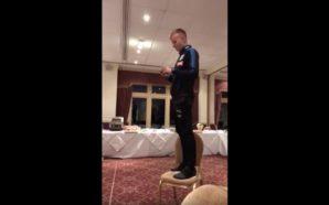 Hadergjonaj prezantohet para shokëve të skuadrës, këndon këngën më të…