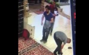 Imami i publikoi videon tek vidhte këpucë në xhami, besimtari…