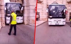 Shoferi i autobusit tregohet i shkathët, arrin të kalojë përmes…