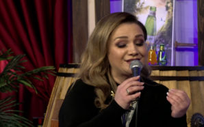 """Linda Hakaj magjeps me zërin e mrekullueshëm në """"Përrallë me…"""