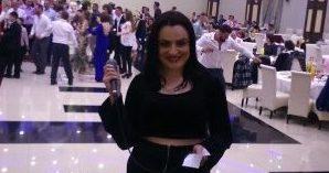 Këngëtarja e njohur e dasmave kosovare edhe një psikologe e…