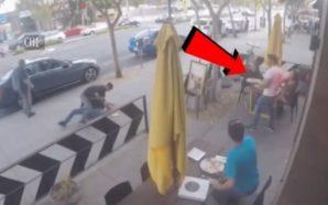 Rrihen para restorantit, kamerieri u jep picë dhe ndalon rrahjen